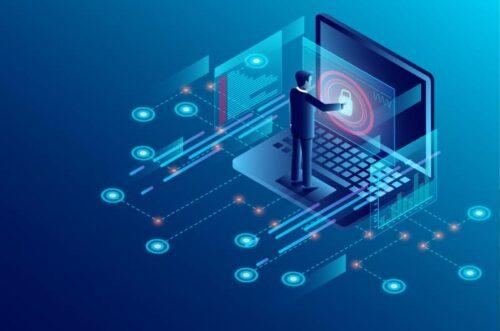 Ilustracija osobe koja stoji na velikom laptopu i štiti podatke o ličnosti
