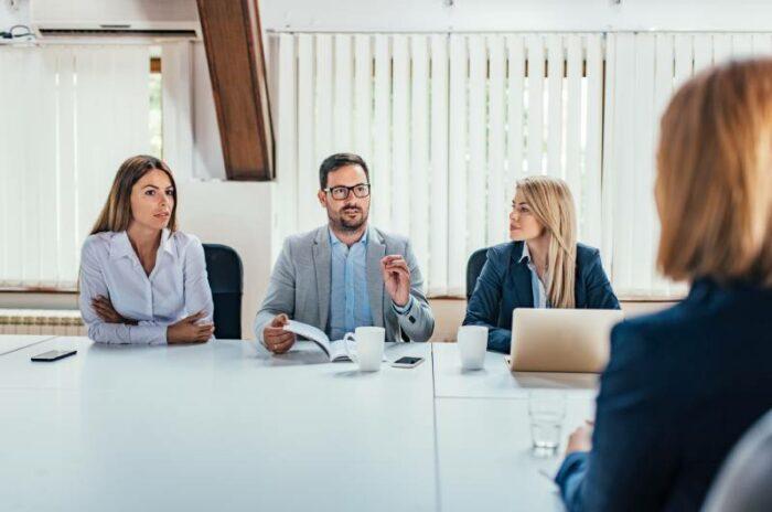 Intervju osobe za visoku poziciju menadžera